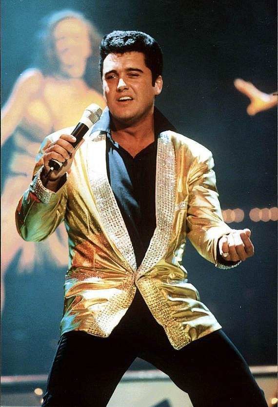 Grahame Patrick performs as Elvis in Legends in Concert