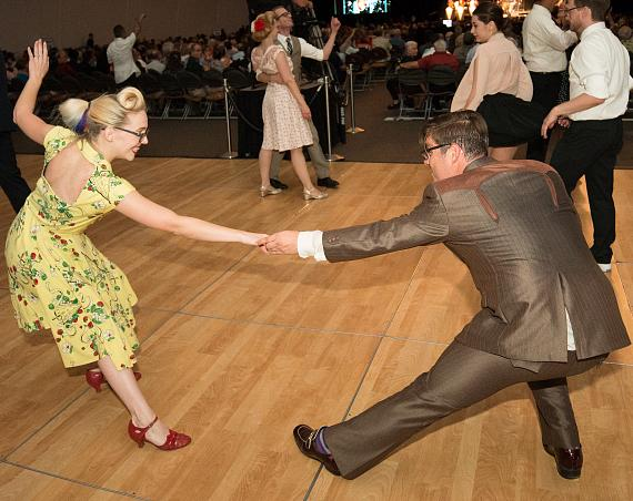 Guests swing dance to some of Big Bad Voodoo Daddy's toe-tapping tunes