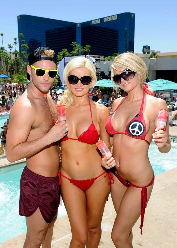 Holly Madison, Josh Strickland and Angel Porrino at WET REPUBLIC