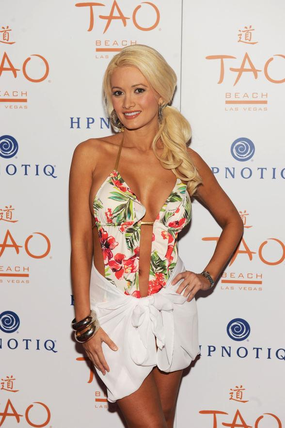 Holly Madison Hosts a Beach Blanket Bikini Bash at TAO Beach