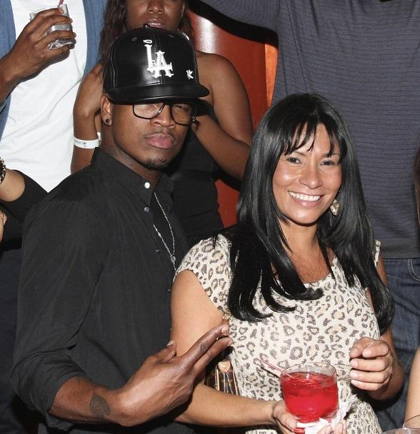 Ne-Yo Celebrates Birthday at Surrender Nightclub
