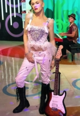 Madame Tussauds Las Vegas Teams up with Cure 4 The Kids Foundation to Help Fight Childhood Cancer with Signed Gwen Stefani Guitar