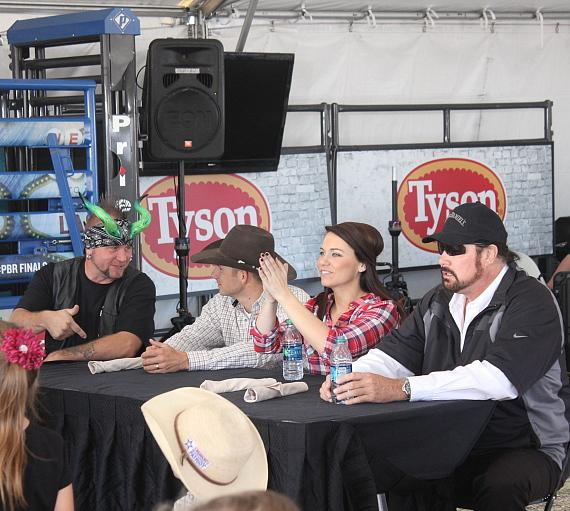 Horny Mike, retired Professional Bull Rider Dustin Elliot, FOX 5's Shannon Moore and Morgan from The Tenors