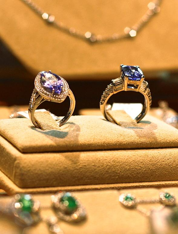 Berger & Son Fine Jewelers and Las Vegas Man Magazine to Host Men's Holiday Shopping Event at Maggiano's at Fashion Show