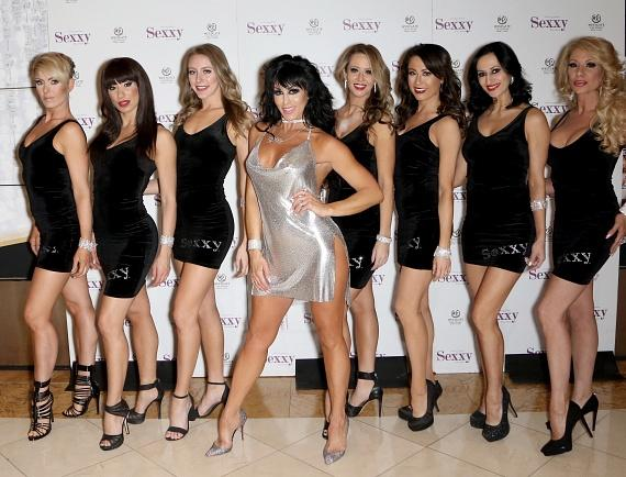 Jennifer Romas and the cast of Sexxy The Show
