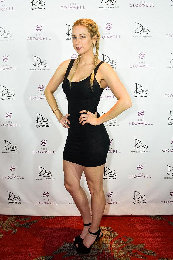 Iliza Shlesinger arrives at Drai's Nightclub Las Vegas