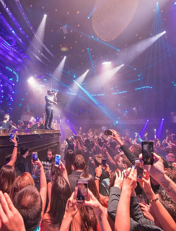 50 Cent Surprises Fans with Live Performance at JEWEL Nightclub