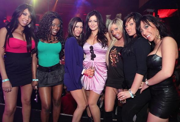 JWoww (middle) and friends at Rain Nightclub