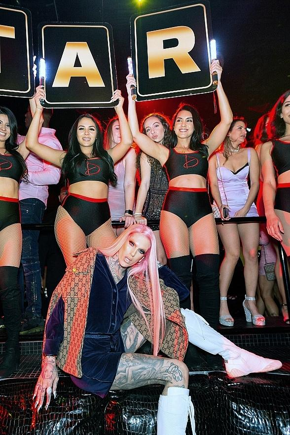 Newly-Single Jeffree Star Parties at Drai's Nightclub in Las Vegas on Valentine's Day