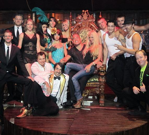 Jenna Jameson and Tito Ortiz with cast of ABSINTHE