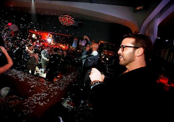 Jeremy Piven and Common do the NYE Countdown