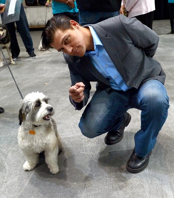 Jersey Boys star Deven May gives the contestants a few pointers backstage during The Animal Foundations 11th Annual Best In Show