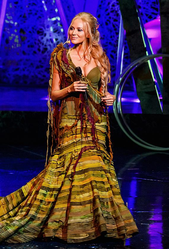 Jewel performs in the sixth edition of One Night for One Drop imagined by Cirque du Soleil