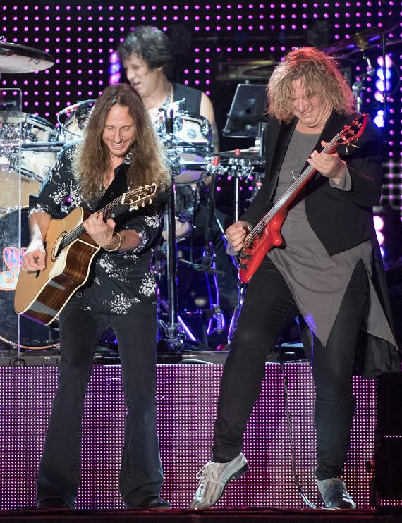 Jon Davison and Billy Sherwood with YES at the DLVEC