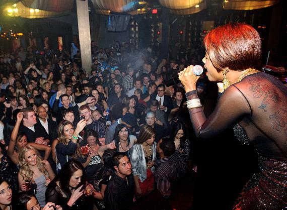 Kelis performs at Marquee