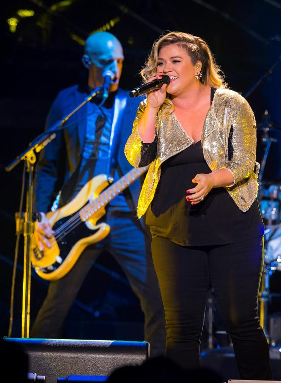 Kelly Clarkson performs at Mandalay Bay Events Center