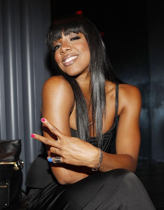 Kelly Rowland enjoying the lavish VIP section at Chateau Nightclub & Gardens