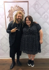 """Chrissy Metz from NBC's """"This Is Us"""" Visits the Kelly Cardenas Salon at the Hard Rock Hotel & Casino in Las Vegas"""