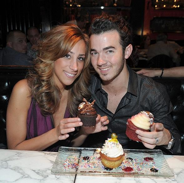 Kevin and wife, Danielle, enjoy Sugar Factory's delicious cupcakes