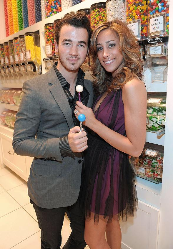 Sugar Factory to Celebrate National Lollipop Day with New Couture Pop Flavor Contest