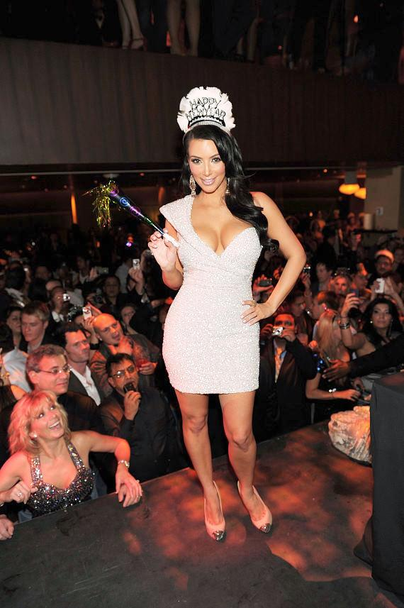 Kim Kardashian Celebrates New Year S Eve At Tao Las Vegas