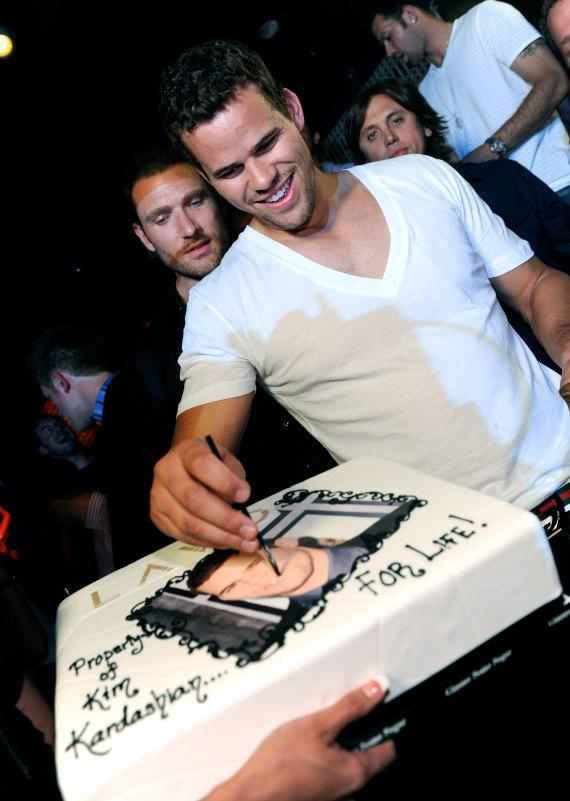 Kris Humphries with cake at LAVO
