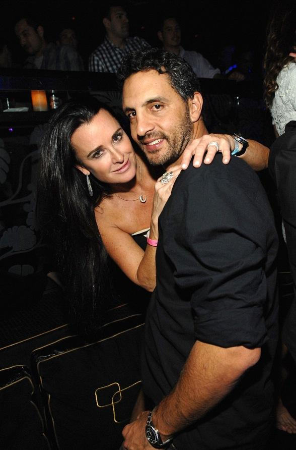 kyle richards parties at the bank for dj sky blu event