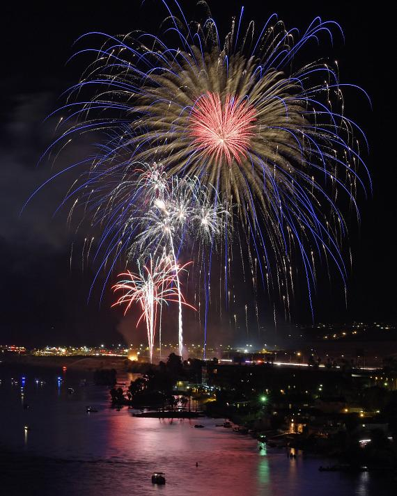 "Laughlin's ""Rockets Over The River"" Celebrates Independence Day"