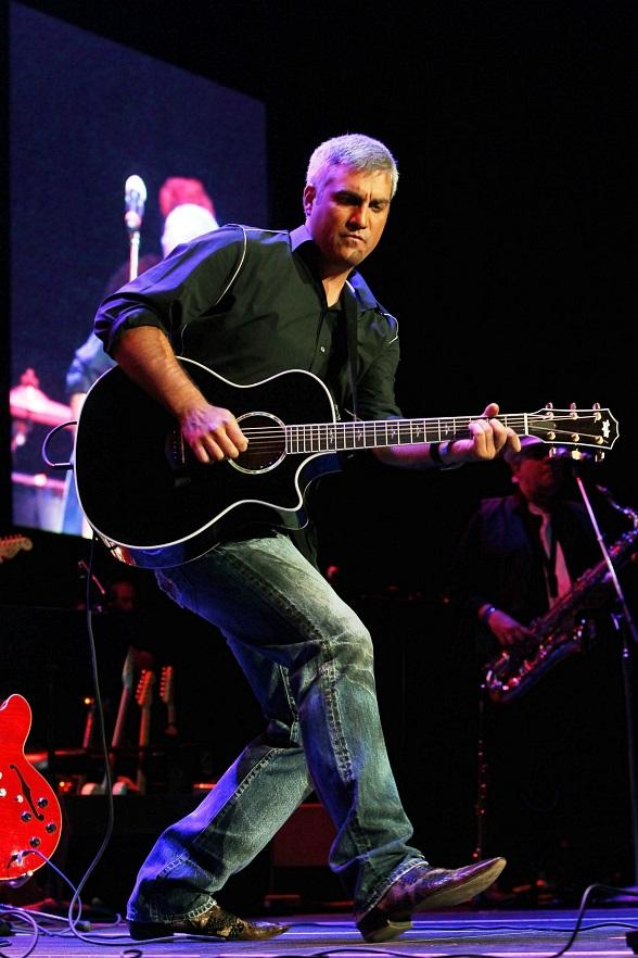 Taylor Hicks to Perform at Paris Las Vegas in 2013