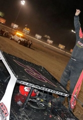 Phillips Completes Four-of-a-Kind at 20th Annual Duel in the Desert; McKellar Takes IMCA Northern SportMod Main Event Title