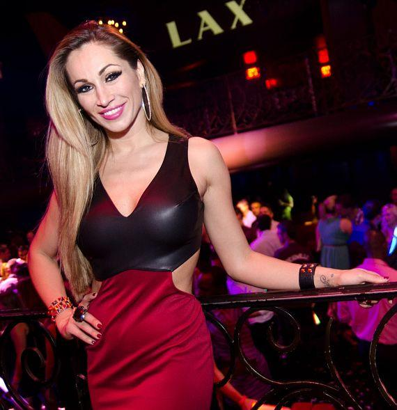 Lead Singer Jaime Lynch at LAX Nightclub