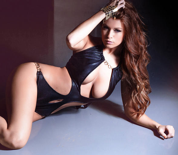 Model Leanna Decker to Host Bash at Crazy Horse III