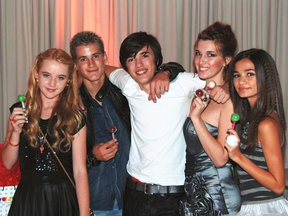 Teen actors Kathryn Newton, Devon Gearheart, Remy Thorne, Dani Thorne and Zendaya Coleman celebrate Bella Thorne's birthday
