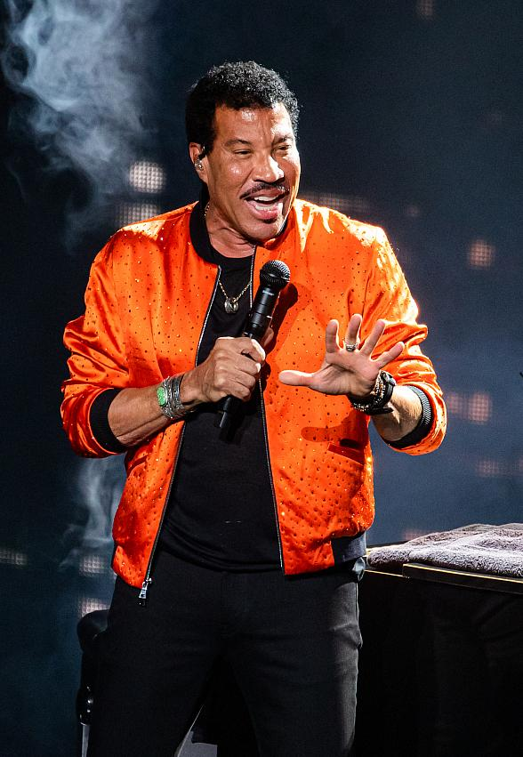 """Superstar Lionel Richie Brings His """"Hello"""" Tour to Wynn Las Vegas for Two-Night Engagement"""
