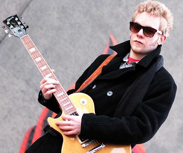 Blues Guitarist Matthew Curry to Perform at PICNIC at Downtown Grand Friday, Aug. 1