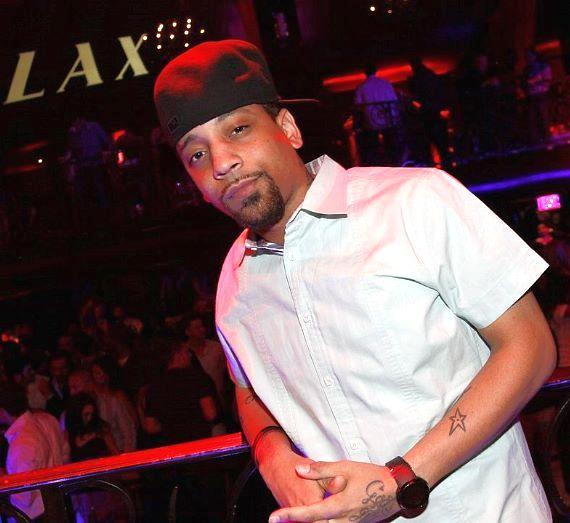 Singer J. Holiday Wins Over the Ladies with a Performance at LAX Nightclub