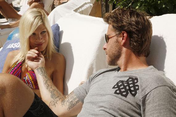 Tori Spelling and Dean McDermott at AZURE at The Palazzo