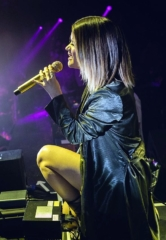 "Maren Morris and Zedd Perform ""The Middle"" Live at OMNIA Nightclub in Las Vegas"