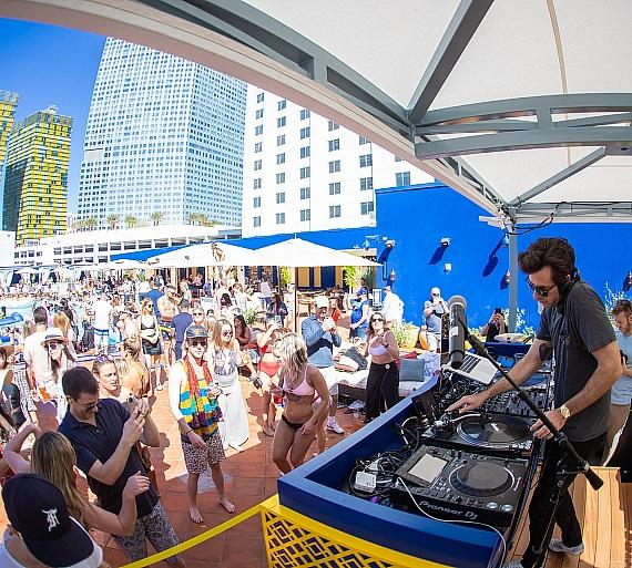 Mark Ronson at JEMAA – The NoMad Pool Party