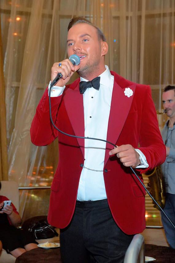 Matt Goss entertaining friends at the celebration for his birthday and 300th Vegas show
