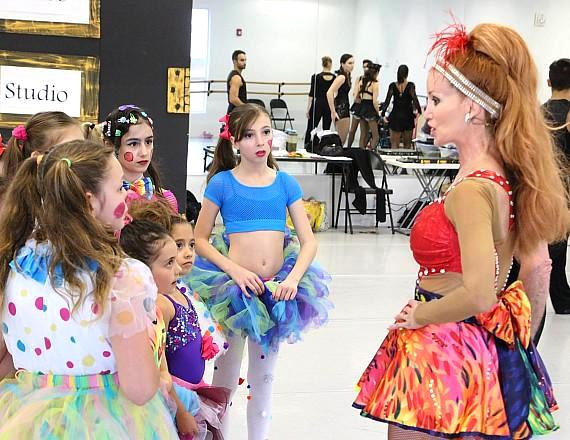 """M&M American Dance Theatre's Michael Kessler & Melinda Jackson Present """"Young People's Guide To Broadway"""" Oct. 6 at Summerlin Library Theatre"""