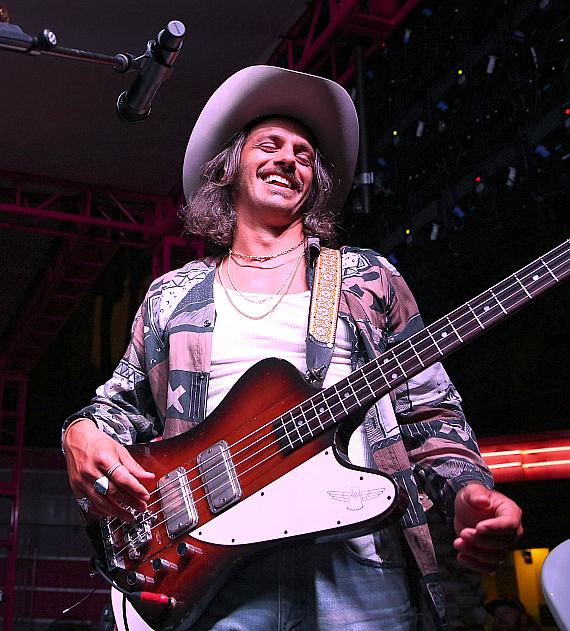 Flamingo Las Vegas' GO Pool Welcomes Sold-Out Performance from Country Sensation Midland