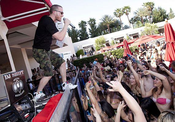 Mike Posner at WET REPUBLIC