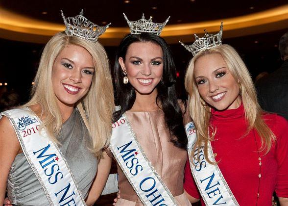 Miss Nebraska (Teresa Scanlan), Miss Ohio (Becky Minger) and Miss Nevada (Cris Crotz)