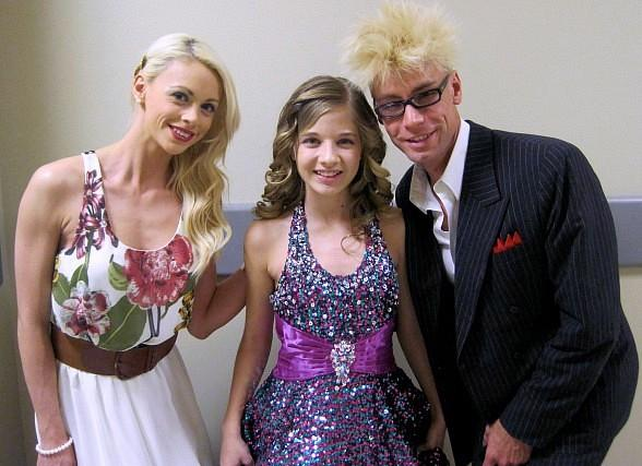 Chloe, Jackie and Murray backstage at The Smith Center