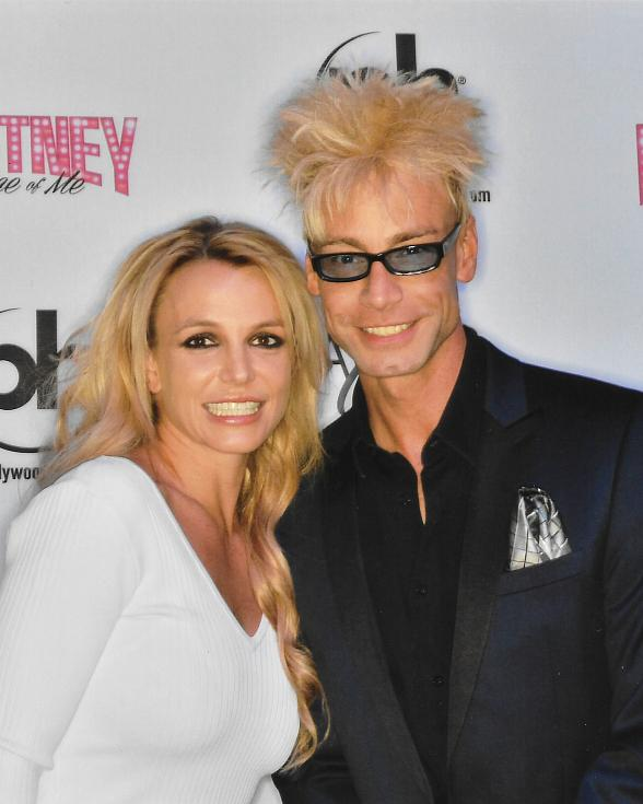"Planet Hollywood Headliners Britney Spears and Murray SawChuck meet backstage at ""Piece of Me"""