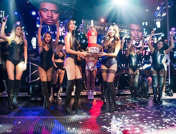 Rapper Nas Celebrates Birthday with a Performance at Drai's Nightclub
