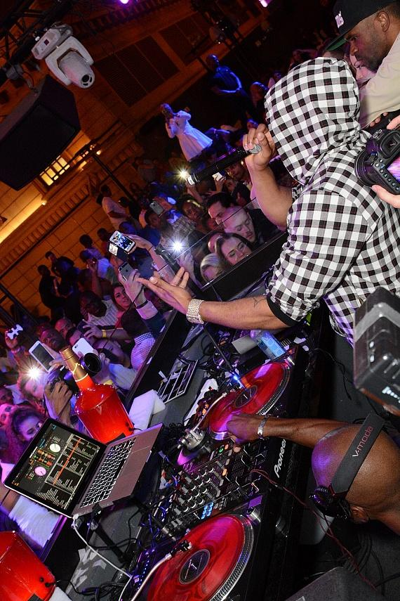 Nelly in DJ Booth