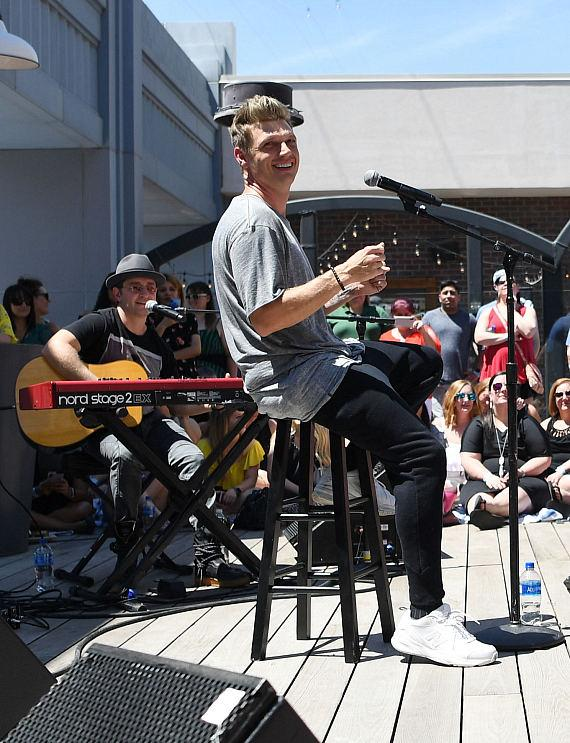 Nick Carter performs private acoustic set at Influence, The Pool at The LINQ, Saturday, April 27_6