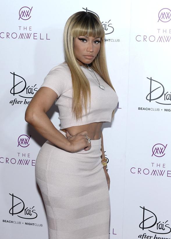 Nicki Minaj Rings In 2016 With Exclusive Drais Live Performance At Nightclub Las Vegas